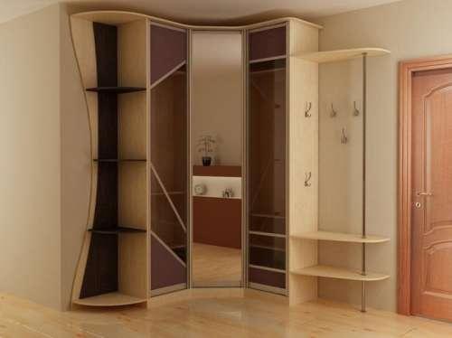 Угловой встроенный шкаф в прихожую